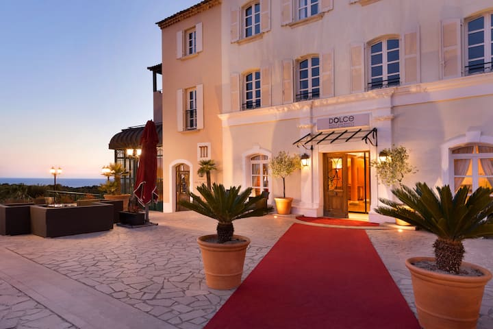 Exterior of Dolce Fregate Provence hotel in Saint Cyr Sur Mer, Other than US/Canada