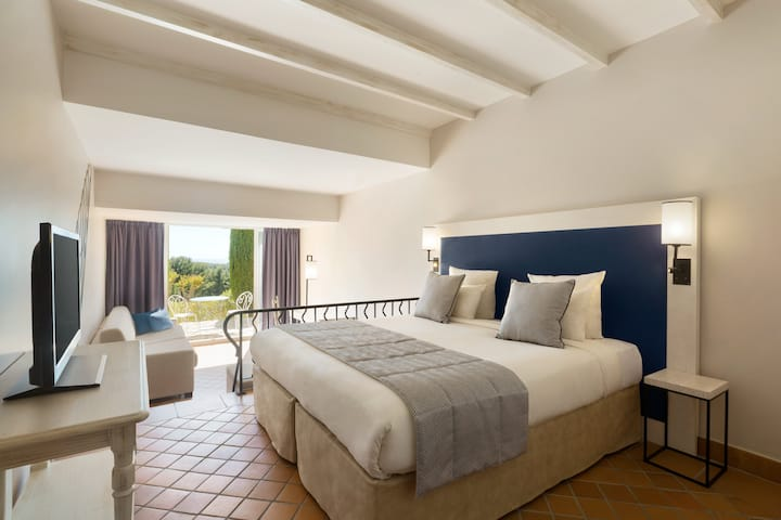 Guest room at the Dolce Fregate Provence in Saint Cyr Sur Mer, Other than US/Canada