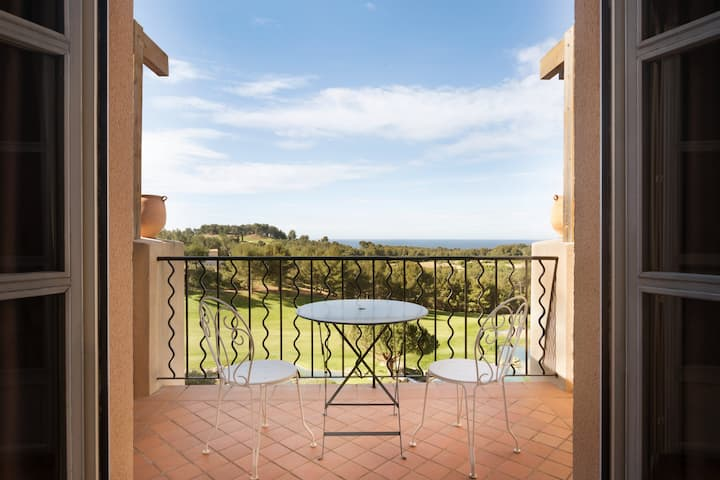 Dolce Fregate Provence suite in Saint Cyr Sur Mer, Other than US/Canada