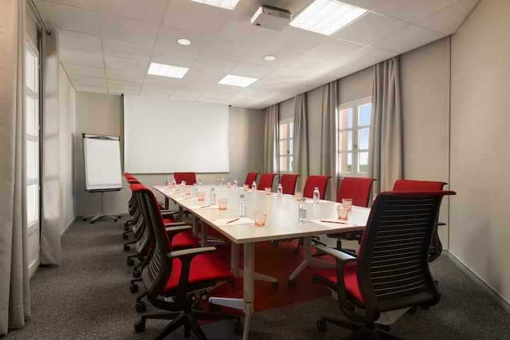 Meeting room at Dolce by Wyndham Fregate Provence in Saint Cyr Sur Mer, Other than US/Canada