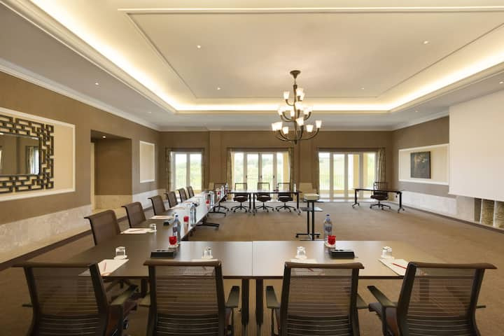 Meeting room at Dolce by Wyndham CampoReal Lisboa in Turcifal, Other than US/Canada