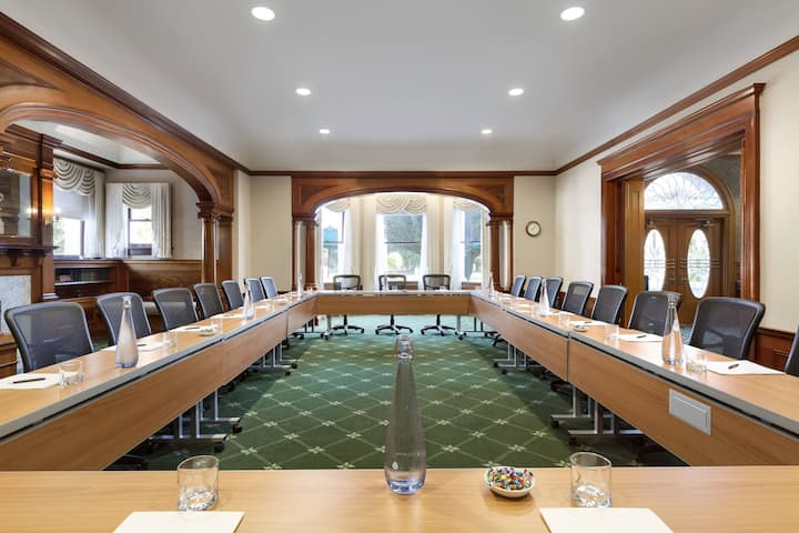 Meeting room at Dolce Hayes Mansion in San Jose, California