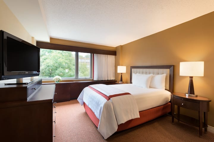 Q Center suite in St Charles, Illinois