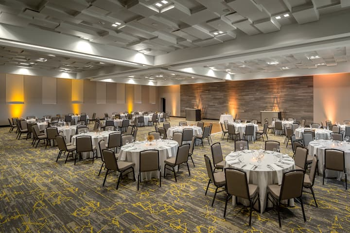 The Summit, A Dolce Hotel ballroom in Cincinnati, Ohio