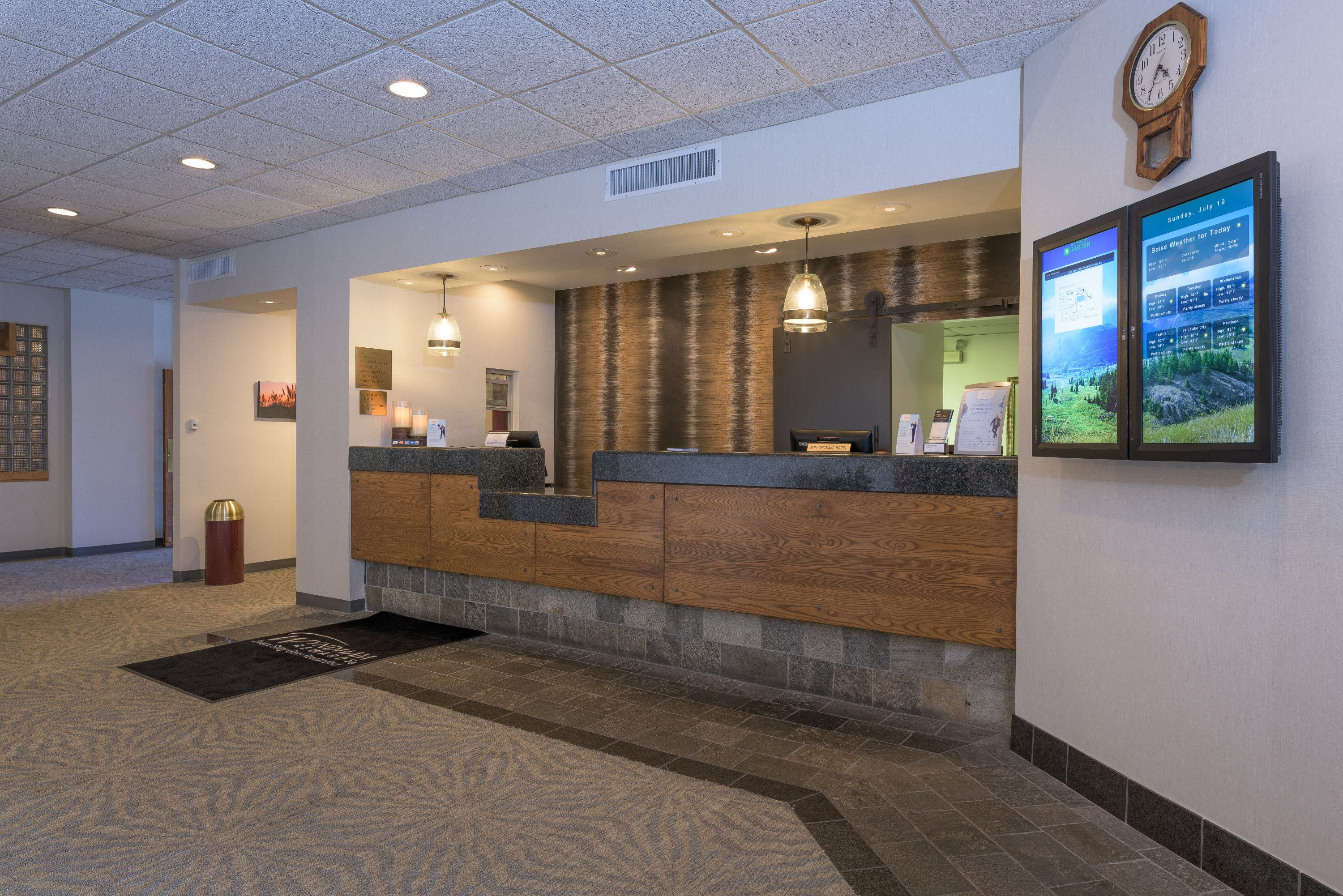 Elegant Wyndham Garden Boise Airport Hotel Lobby In Idaho With Hotels Near State University