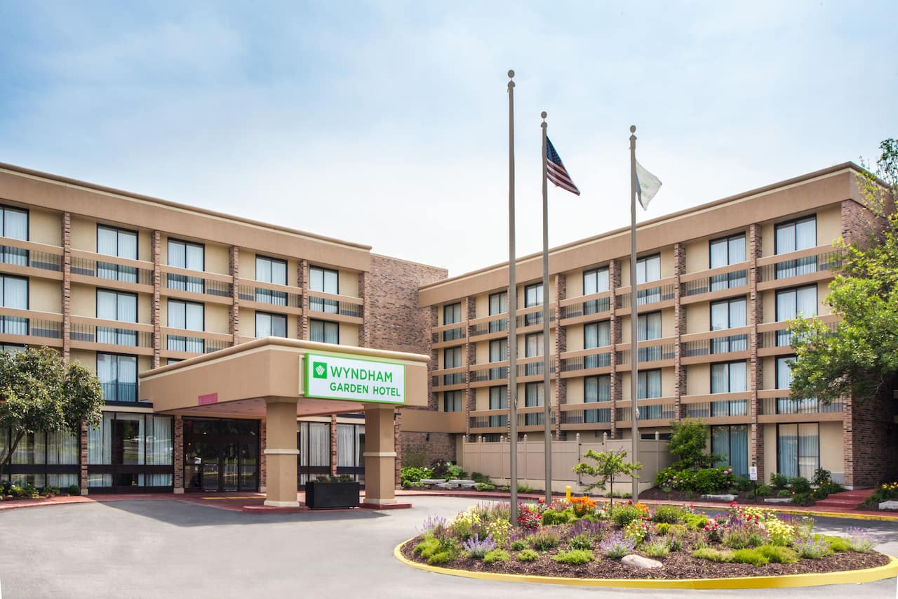 Wyndham Garden Schaumburg Chicago Northwest near Marriott Theatre In Lincolnshire