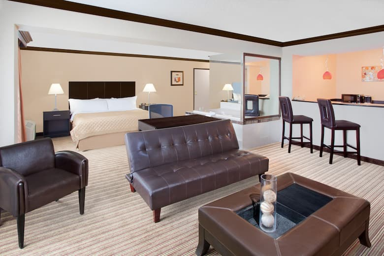 Wyndham Garden Schaumburg Chicago Northwest Suite In Illinois