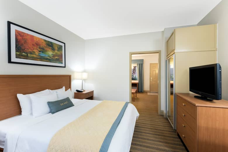 guest room at the wyndham garden baton rouge in baton rouge louisiana - Wyndham Garden Baton Rouge