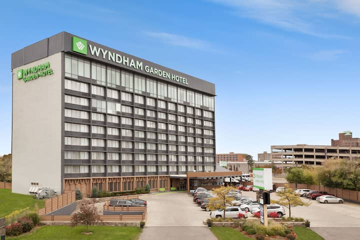Wyndham Garden At Niagara Falls Niagara Falls Ny Hotels