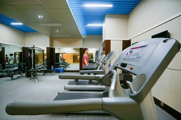 Health club at Wyndham Grand Plaza Royale Ningbo in Ningbo, Other than US/Canada