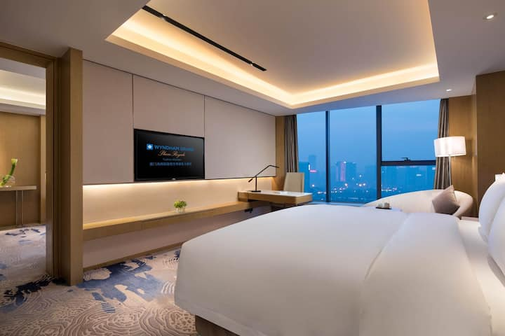 Guest room at the Wyndham Grand Plaza Royale Yuzhou Xiamen in Xiamen, Other than US/Canada