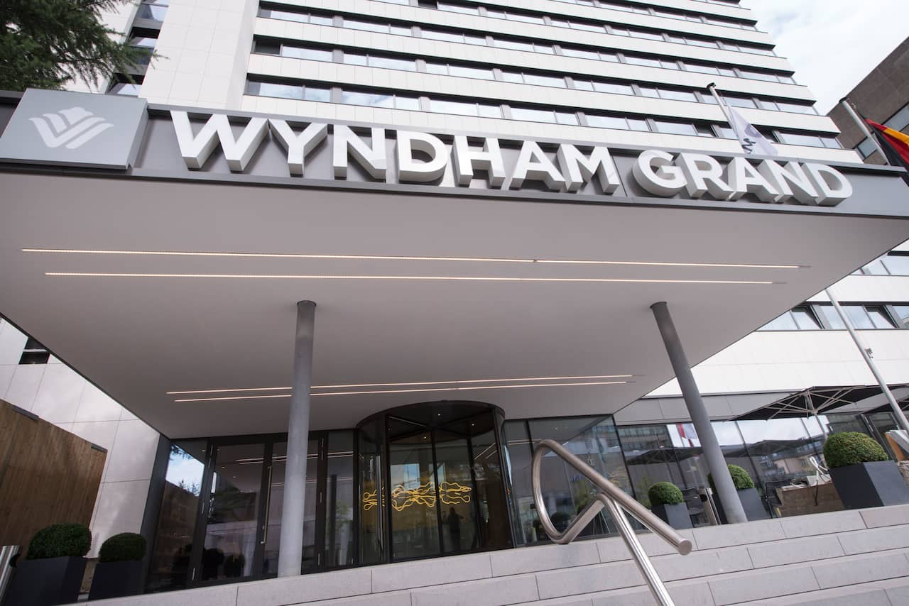 Wyndham Grand Frankfurt in Diedenbergen, Germany