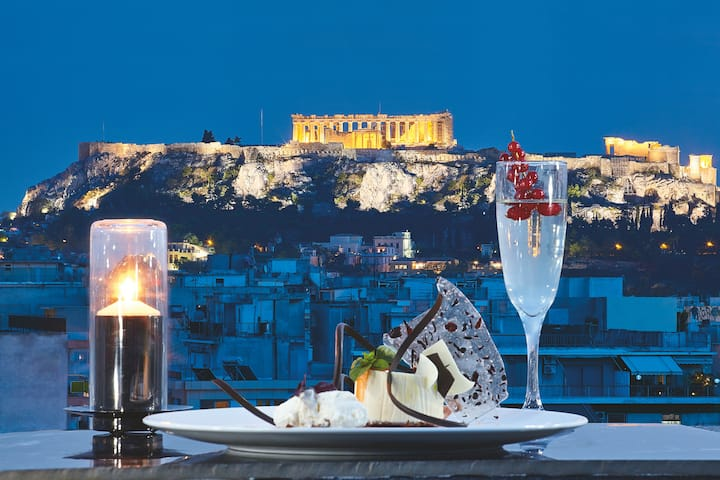 Wyndham Grand Athens restaurant in Athens, Other than US/Canada