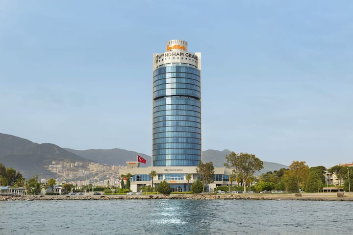 Exterior of Wyndham Grand Izmir Ozdilek hotel in Izmir, Other than US/Canada
