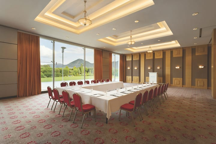 Meeting room at Wyndham Grand Izmir Ozdilek in Izmir, Other than US/Canada