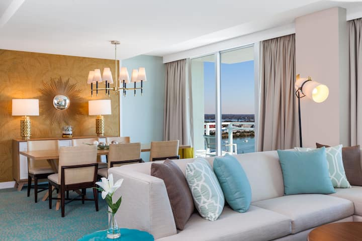 Wyndham Grand Clearwater Beach suite in Clearwater, Florida
