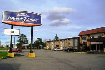 Exterior Of Howard Johnson By Wyndham Sault Ste Marie On Hotel In Sainte