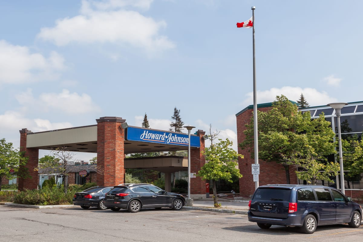 Exterior Of Howard Johnson Inn And Suites Toronto East Hotel In Ontario