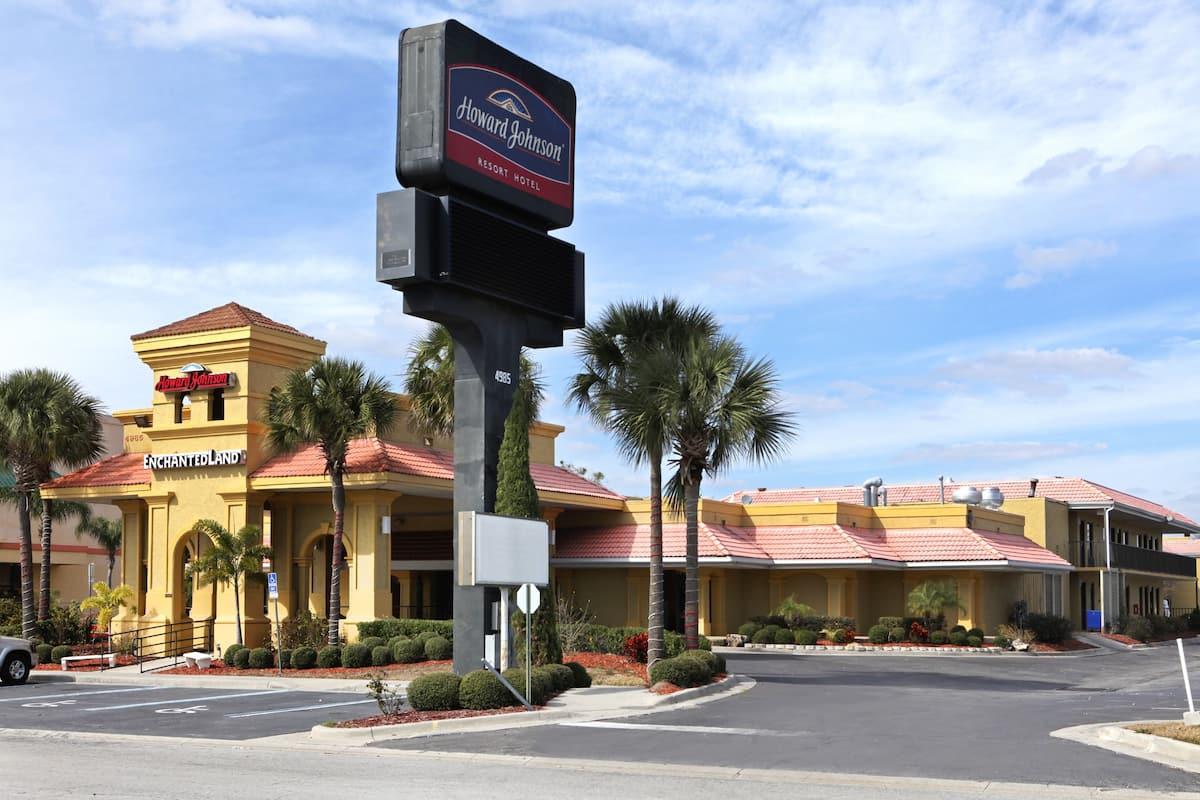 Exterior Of Howard Johnson Enchanted Land Hotel Kissimmee Fl In Florida