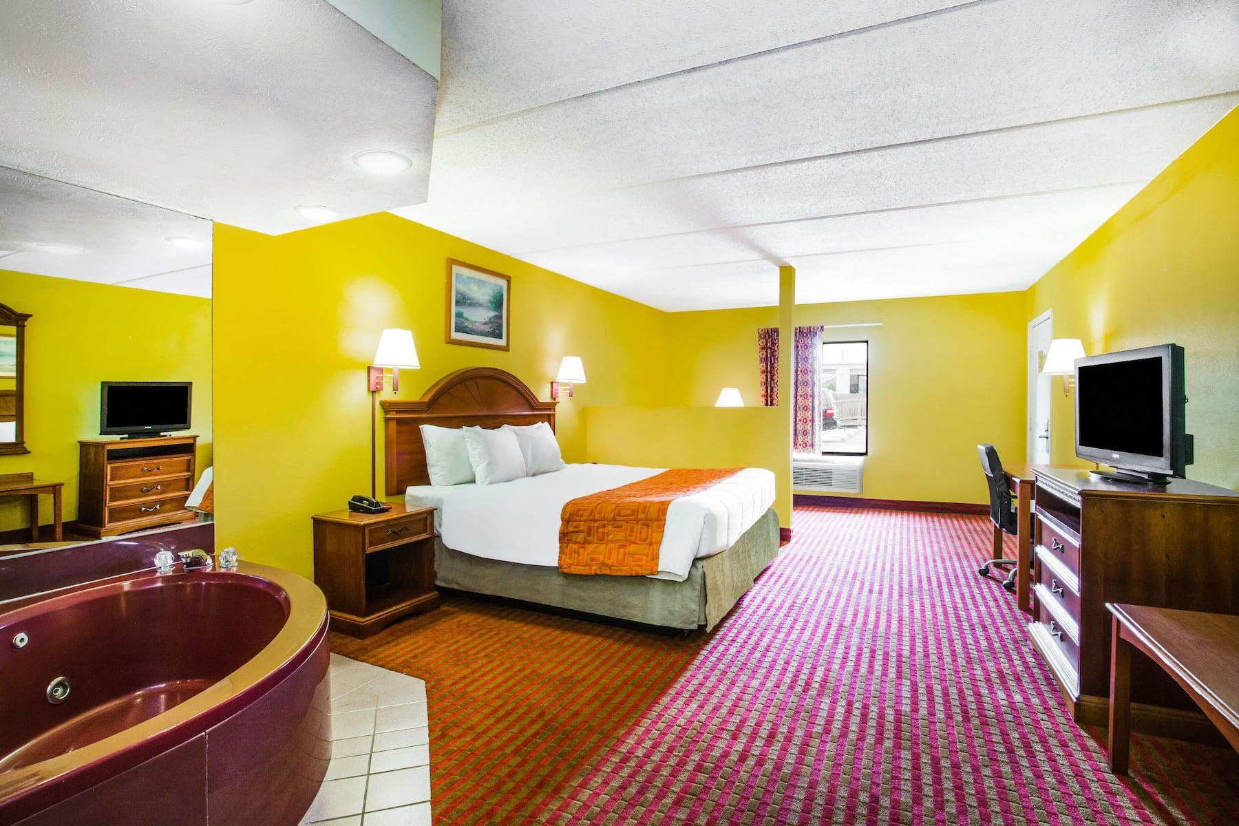 Howard Johnson By Wyndham Panama City Panama City Fl Hotels