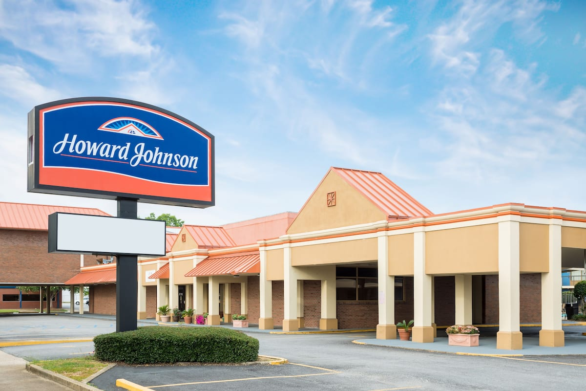 Howard Johnson Inn Suites Columbus Ga