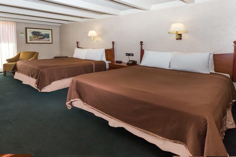 Bedroom Sets Rockford Il hotelname}   ${city} hotels, il 61109