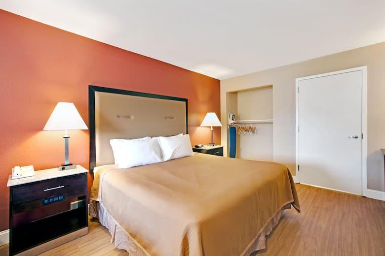 Guest Room At The Howard Johnson Express Inn Bellmawr Philadelphia Area In New
