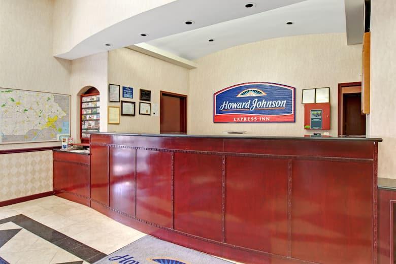 Howard Johnson Express Inn Bellmawr Philadelphia Area Hotel Lobby In New Jersey