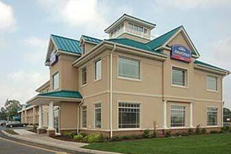 Exterior Of Howard Johnson Hotel Toms River In New Jersey