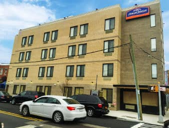 Howard Johnson by Wyndham, Brooklyn à Long Island City, New York