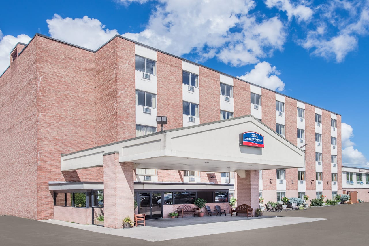 Howard Johnson by Wyndham Closest to the Falls and Casino à Niagara Falls, Ontario