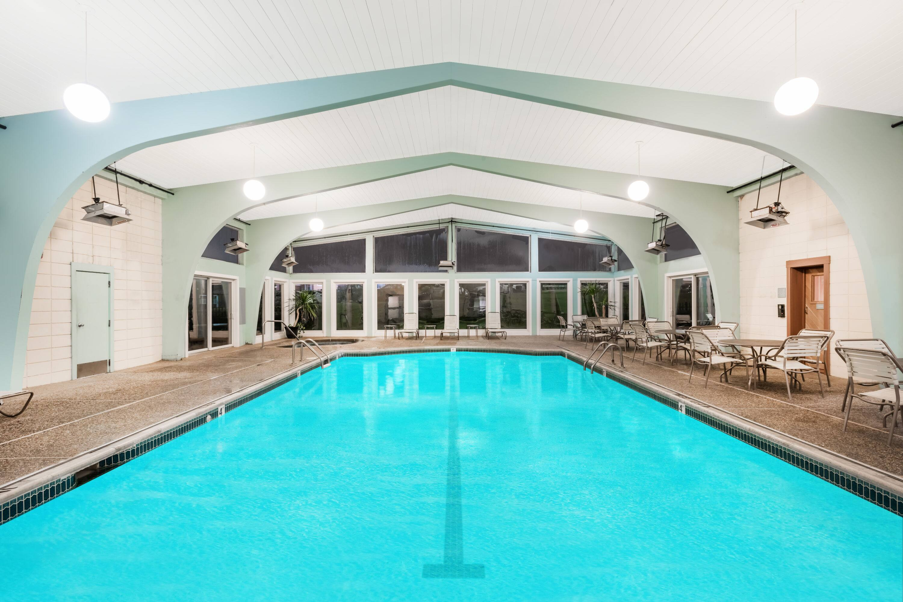 Best Pool At The Howard Johnson Middletown Newport Area In Rhode Island With Hotels Near Charlestown Ri