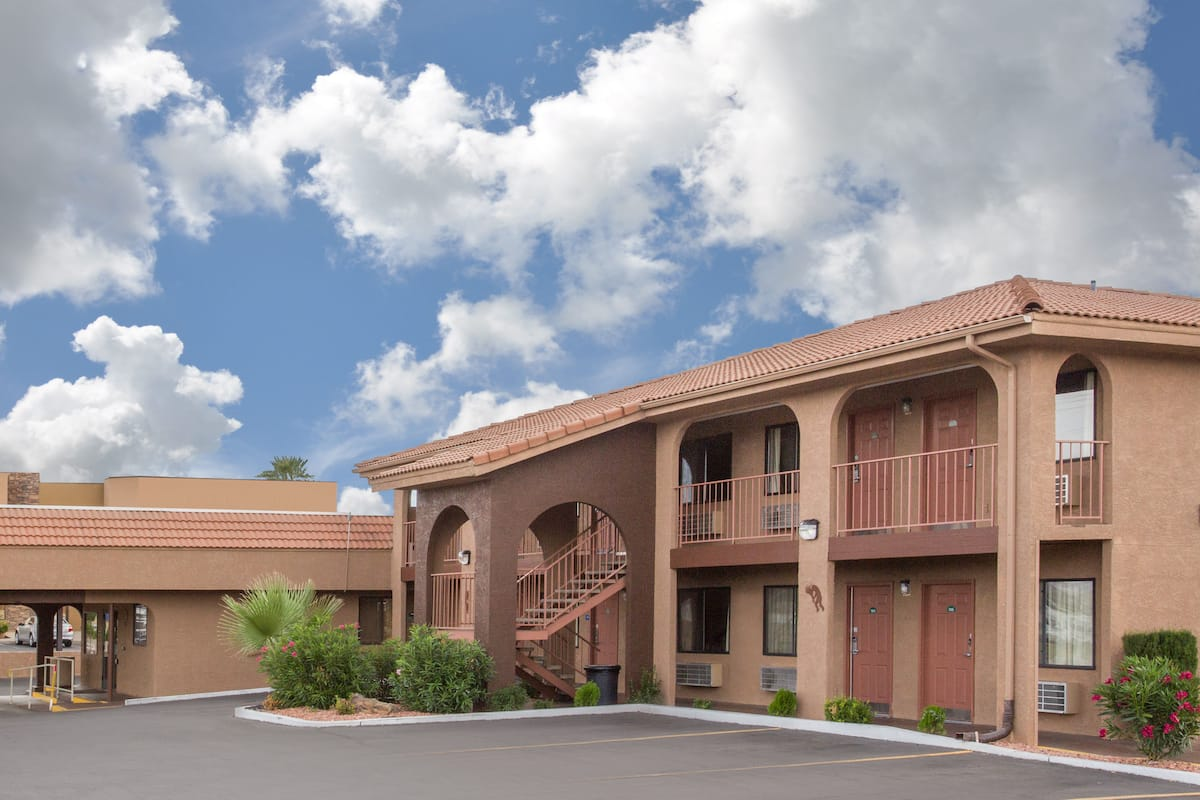 Howard Johnson Inn Suites St George