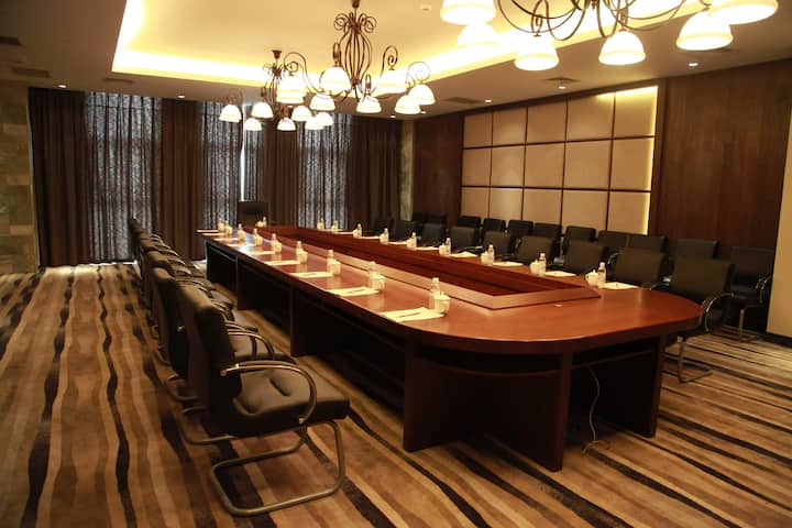 Meeting room at Wyndham Kunming Resort in Kunming, Other than US/Canada