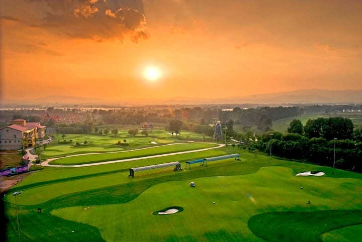 Golf course at Wyndham Kunming Resort in Kunming, Other than US/Canada