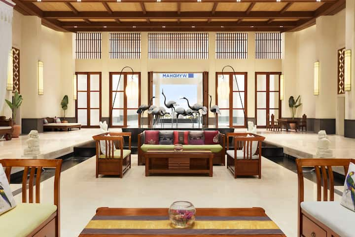 Wyndham Maoming hotel lobby in Maoming, Other than US/Canada