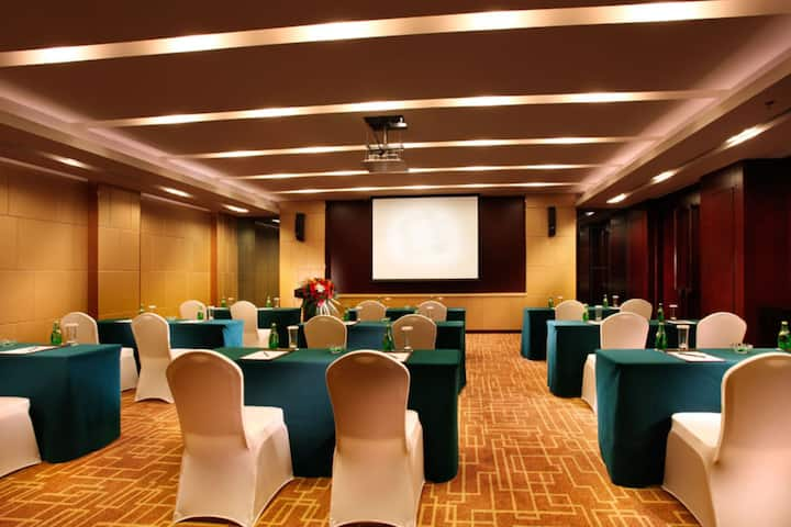 Meeting room at Wyndham Hotel Xian in Xian, Other than US/Canada
