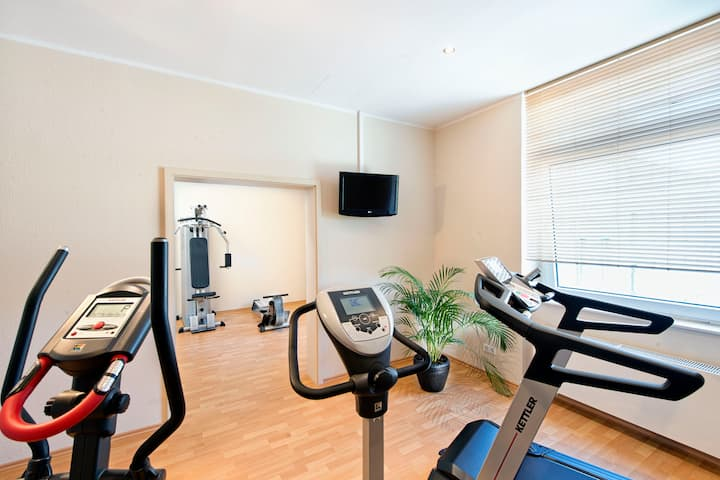 Health club at Wyndham Duisburger Hof in Duisburg, Other than US/Canada