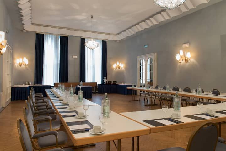Meeting room at Wyndham Duisburger Hof in Duisburg, Other than US/Canada