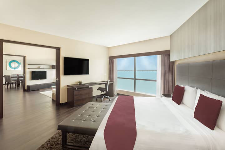 Wyndham Guayaquil suite in Guayaquil - Guayas, Other than US/Canada