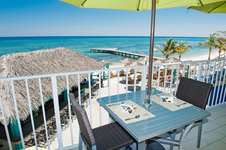 Wyndham Reef Resort Grand Cayman restaurant in East End, Other than US/Canada