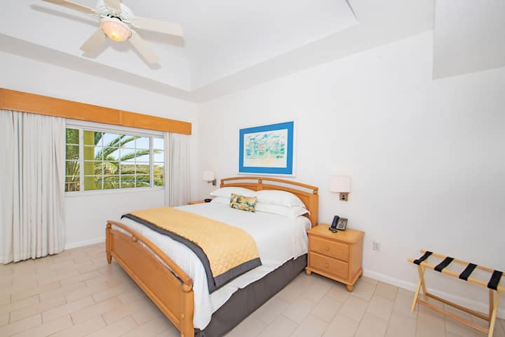 Wyndham Reef Resort Grand Cayman suite in East End, Other than US/Canada