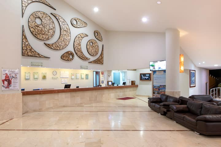 Viva Wyndham Maya - All-Inclusive Resort hotel lobby in Playa del Carmen, Other than US/Canada