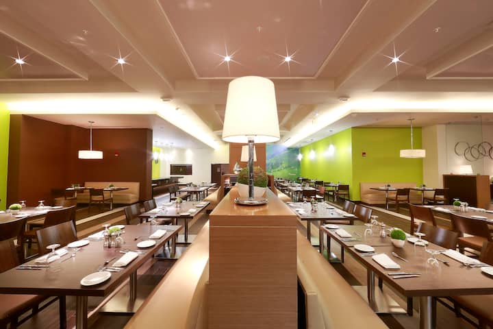 Wyndham Panama Albrook Mall Hotel & Convention Center restaurant in Panama City, Other than US/Canada