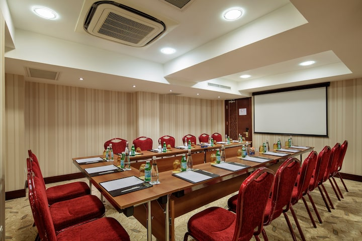 Meeting room at Wyndham Istanbul Old City in Istanbul, Other than US/Canada