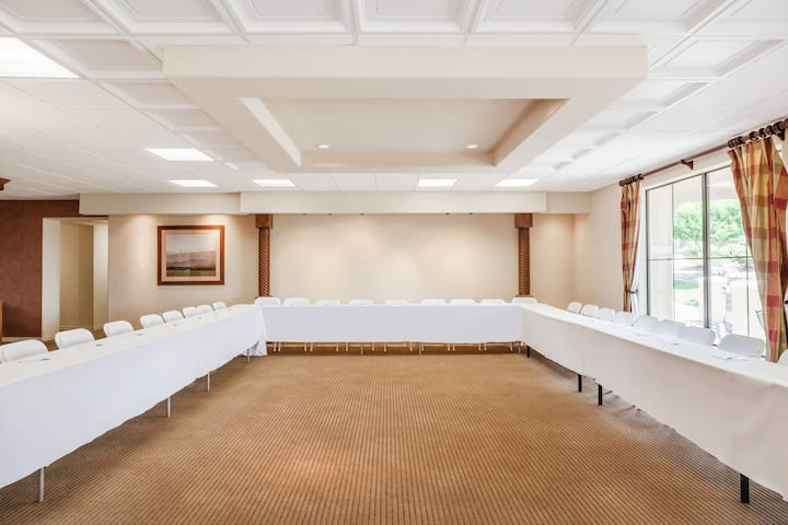 Meeting room at Wyndham Green Valley Canoa Ranch Resort in Green Valley, Arizona