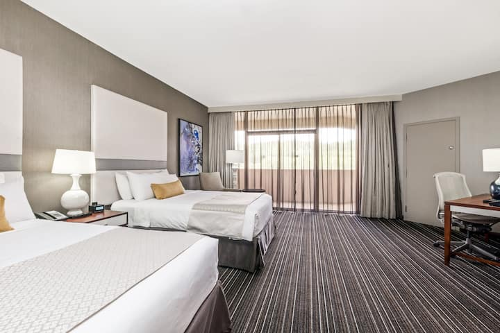 Guest room at the Wyndham Atlanta Galleria in Atlanta, Georgia
