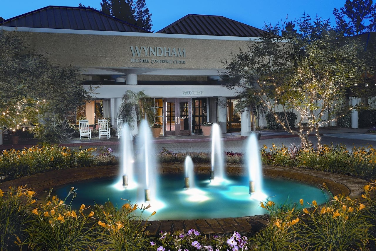 Wyndham Peachtree City Hotel and Conference Center in  Peachtree City,  Georgia