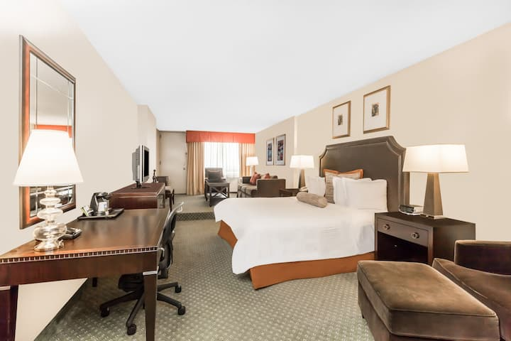 Wyndham Indianapolis West Suite In Indiana