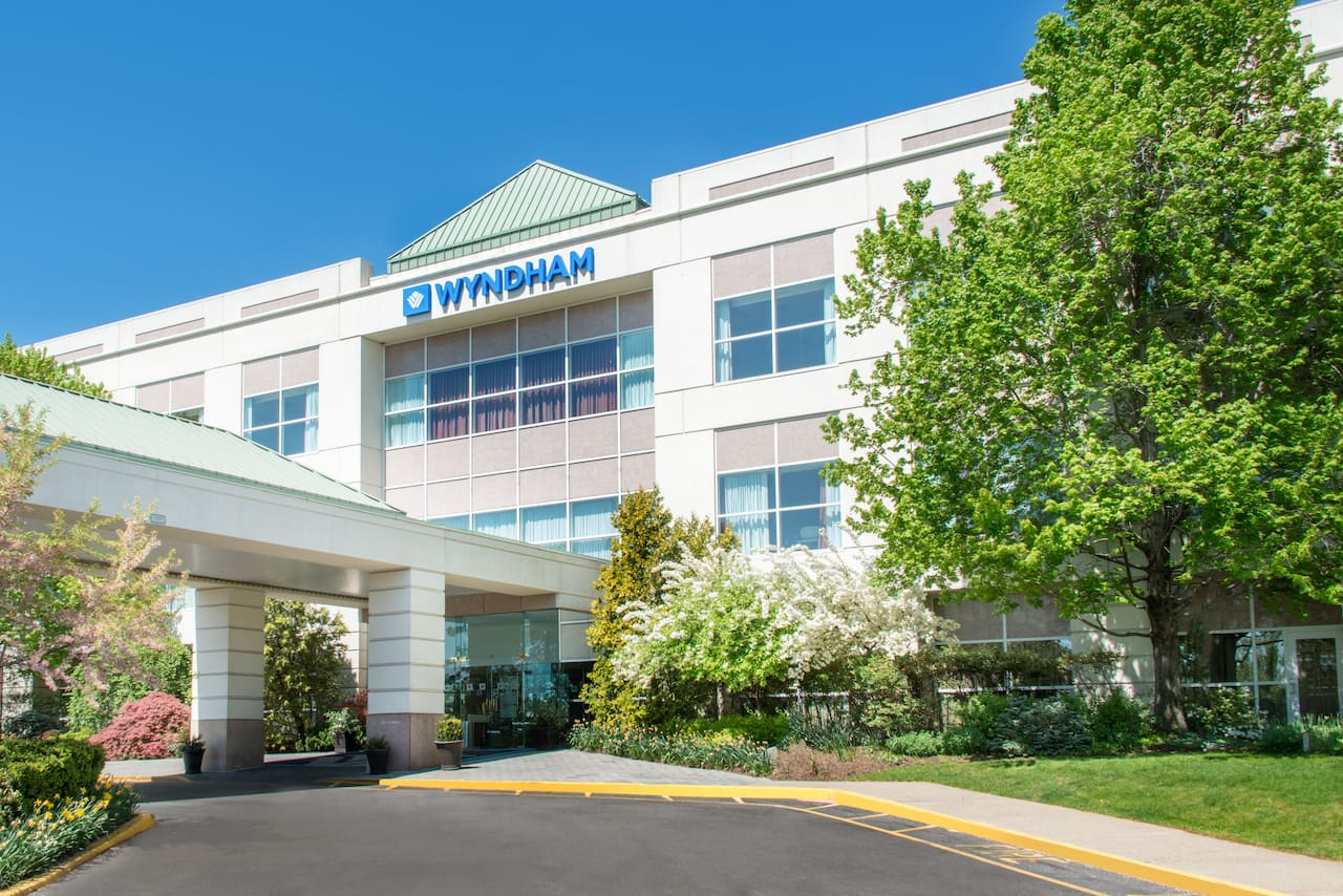 Wyndham Hamilton Park Hotel and Conference Center in Branchburg, New Jersey